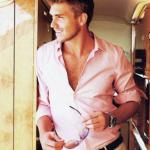 ピンクのシャツが似合う男は色男?コーデ厳選4選メンズ編