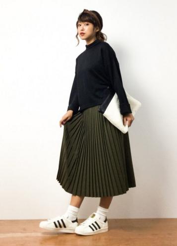 スカートがかわいい女性