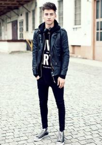 ブラックスキニーのロックファッション