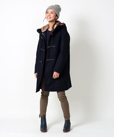 フリークスストアの3wayダッフルコートを着用した女性モデル