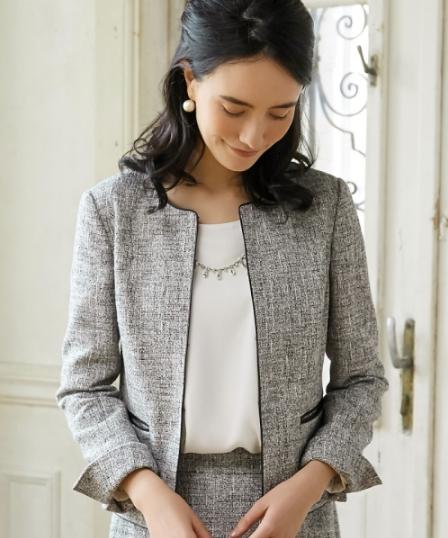 GB TWD PIPING ジャケット −Sを着こなす美しい女性モデル